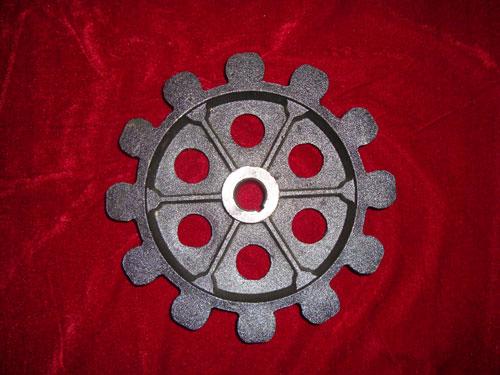 主机铸钢轮